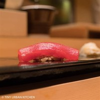 Ika Nigiri (Squid) City Foodsters/Flickr