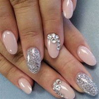 The Oval Oval Nails