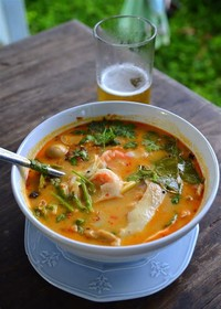 Tom Yam Kai (Spicy Chicken Soup)