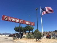 Summit Inn Sign