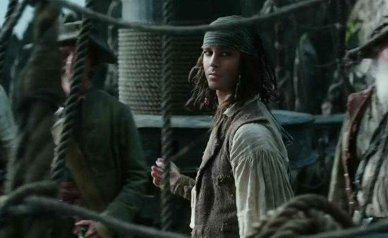 Pirates Of The Caribbean 5 Movie Review: Johnny Depp Looks ...