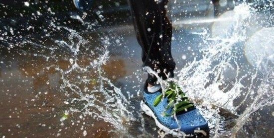 Will running in the rain ruin running shoes?