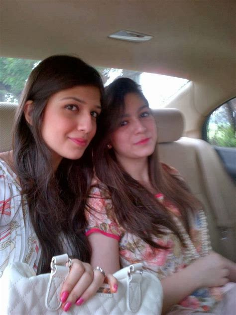 Lesbian pakistani school girls, long haired brunettes pussy